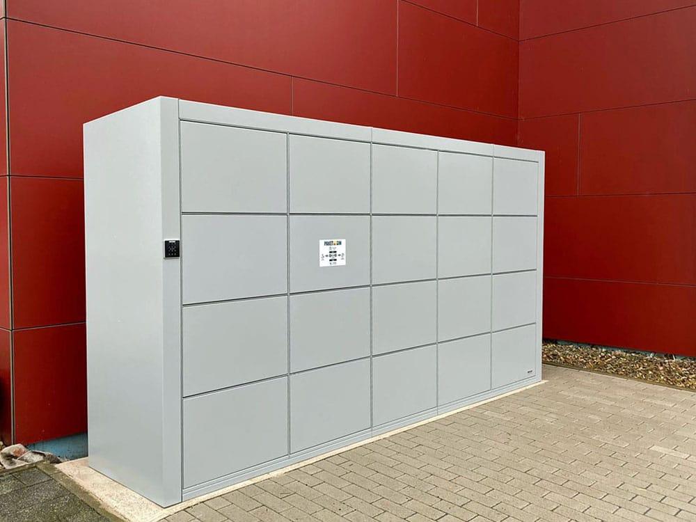 Paketstation für einen Neubau